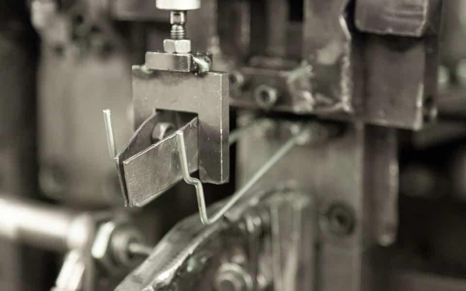 Anspruchsvolles Drahtbiegen an der Drahtbiegemaschine