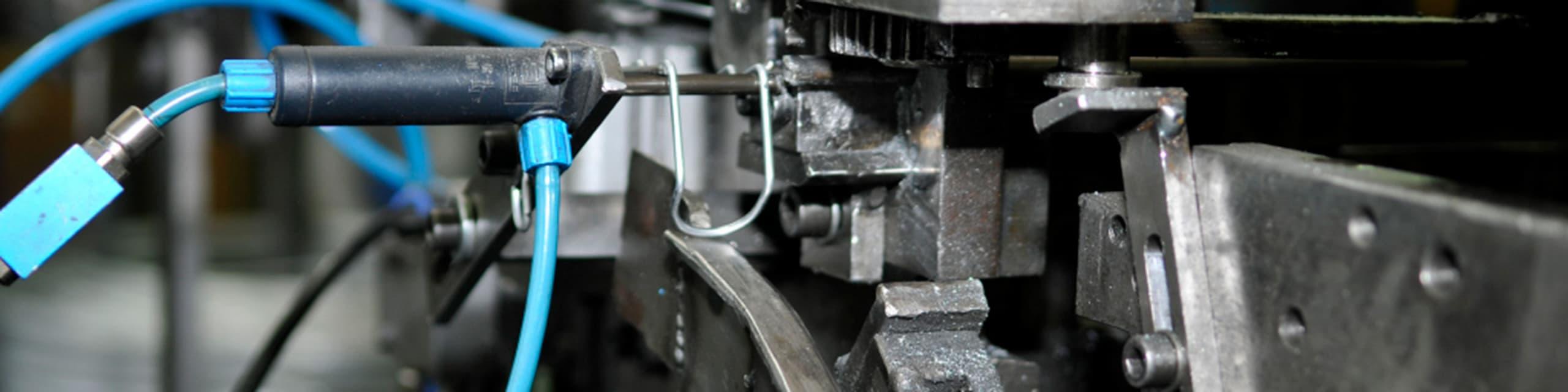 Spezialangefertige Drahtbiegemaschine zur Herstellung von Drahtbiegeteilen für Automotive
